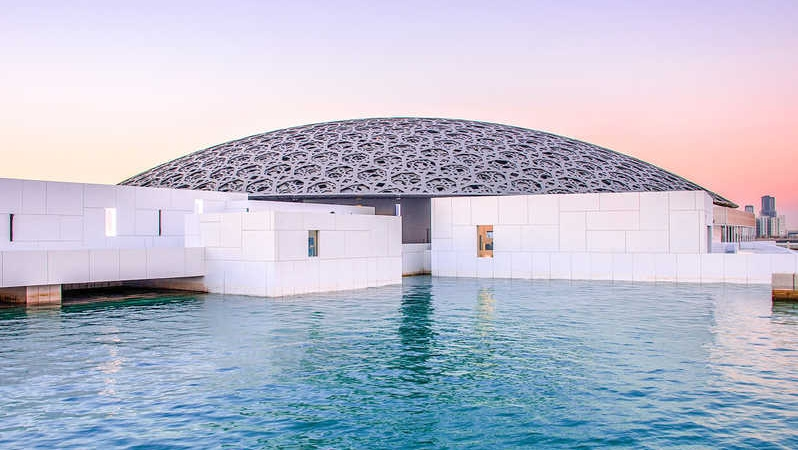 The Louvre in Abu-Dhabi has been inaugurated, a triumph of light and shadow