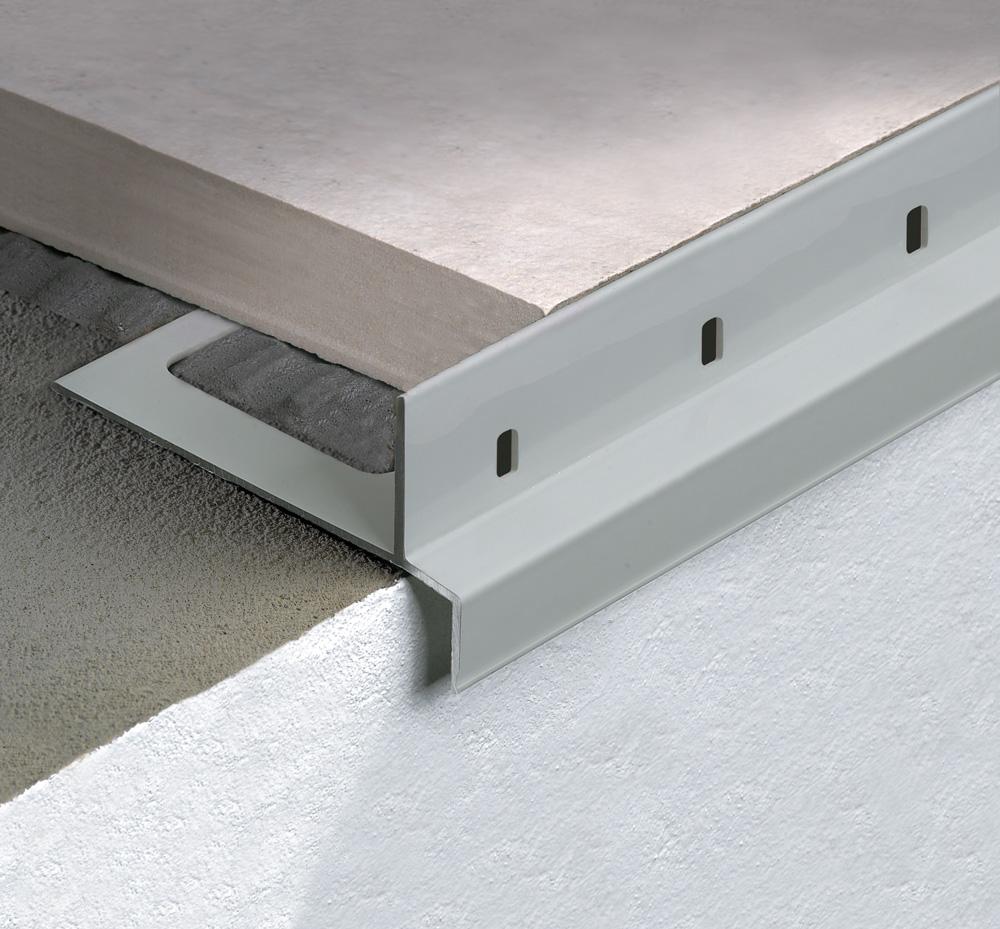 Terrazze Profili di protezione e gocciolatoi per balconi con piastrelle da 2 cm Profilitec