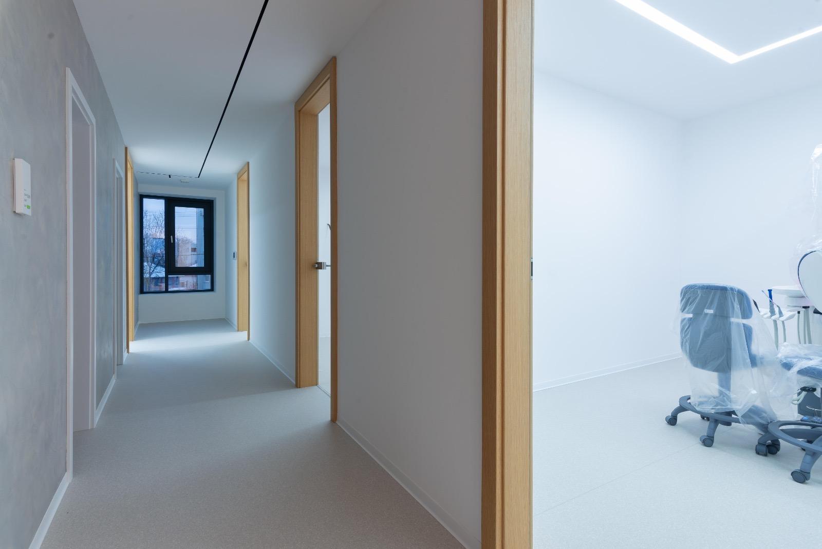 Studio dentistico - Romania - Battiscopa BA