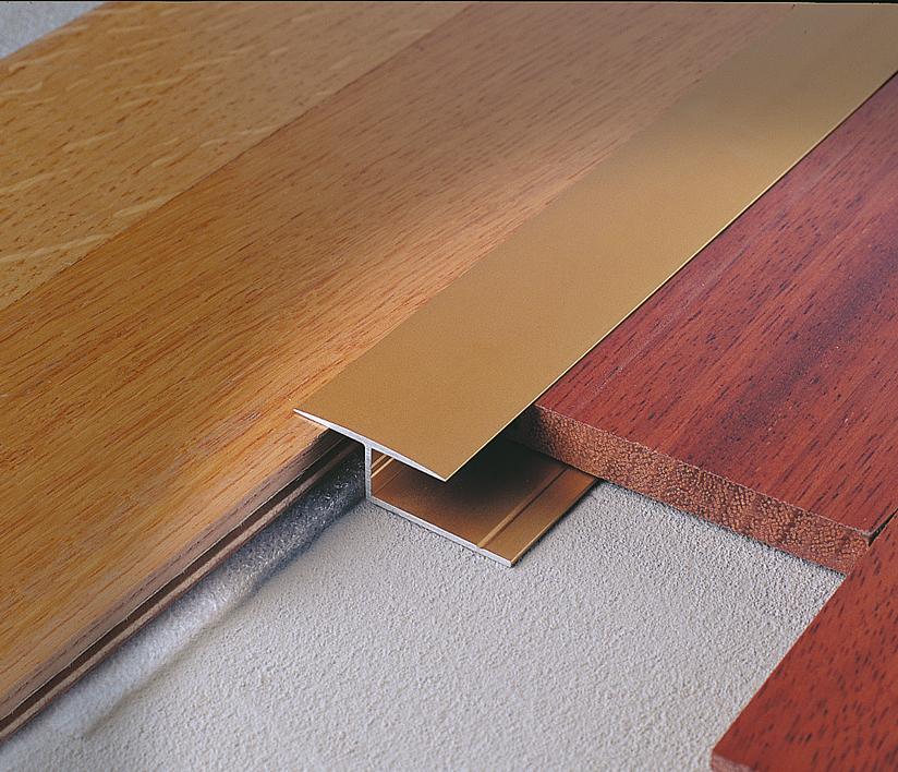 Profilo di raccordo per pavimenti in legno